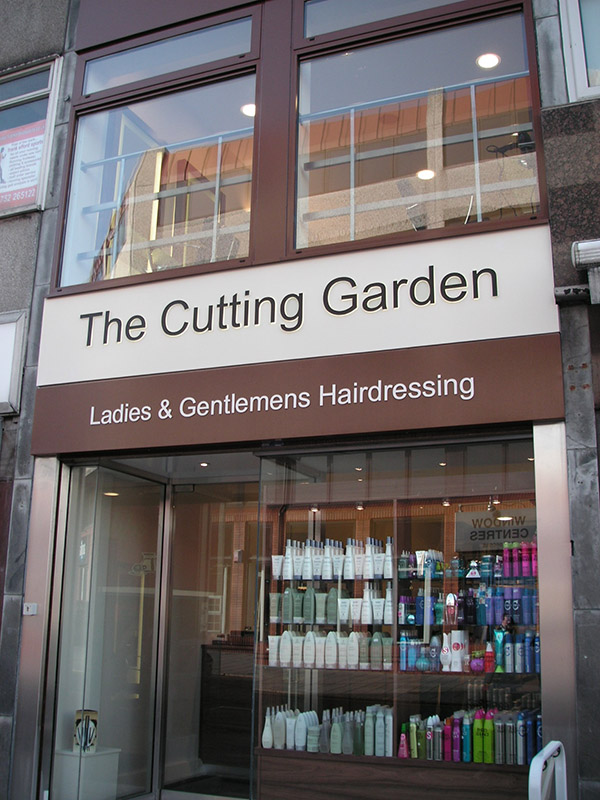 Shop front of The Cutting Garden circa 2007